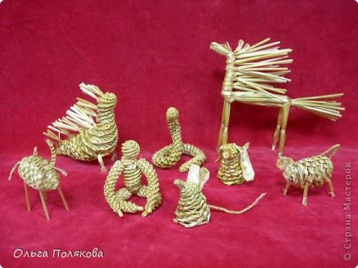 Соломенные игрушки очень стильно смотрятся на ёлке (да и где угодно тоже!) фото 4