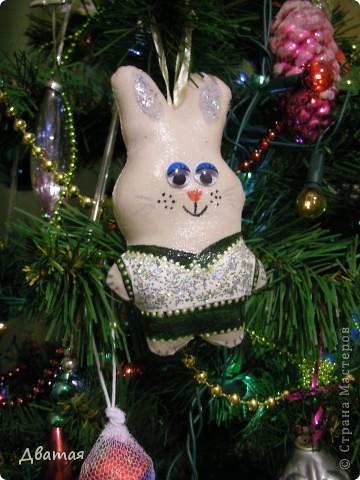 Ура! Так хочется поделиться радостью!  Я получила подарок, а вернее подарки :) от Настиной бабушки-Любы! Я шла с почты, обнимая коробку ))) Счастливая присчастливая! Снег такой красивый шел, хлопьями. Настроение сразу стало новогодним, праздничным)) и до сих пор таким остаётся.. Это так приятно, когда о тебе думают, вспоминают :)) Ну, вобщем, вы понимаете :)) фото 4