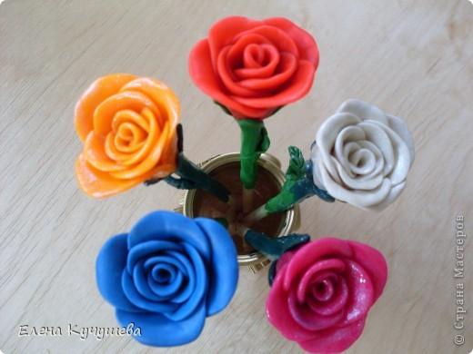 В первый раз попробовала лепить розы из пластилина. фото 1