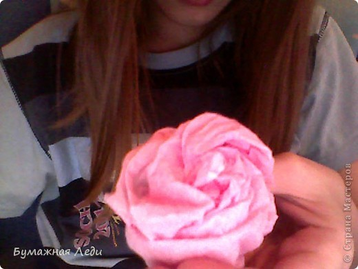 Вот роза! делать её очень легко! Технику предумала сама...  ... Пока не доработала фото 1