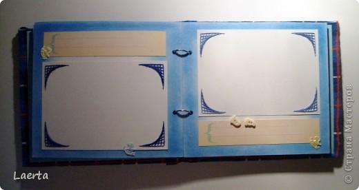 """Обложечку решила сделать мягкой, обтянутой тканью. Внутри - синтепон) В джинсовом кармашке прячется надпись """"Андрюшкину 2 года!"""" фото 3"""