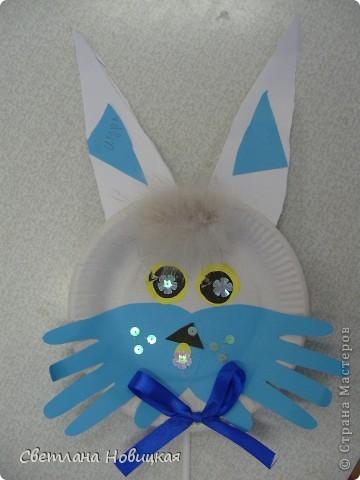Эти маски из бумажных одноразовых тарелочек изготовили дети 5-6 лет. фото 5
