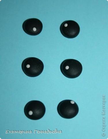 Хочу предложить вашему вниманию мастер-класс по изготовлению стеклянных глазок для игрушек. Например, вот для такой зайки. Начнём! фото 3
