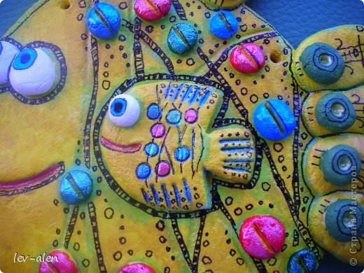 """Дочка сказала, что это антидепрессивная рыбка. Веселая раскраска и с """"таблетками"""" :)))  фото 2"""