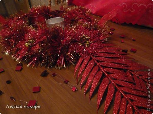 Это украшение для новогоднего стола выполнено по технике этого мастер-класса http://stranamasterov.ru/node/123173 делается легко и быстро. фото 4