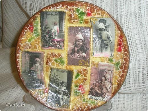 Декоративная тарелка на подставке, прямой декупаж, скорлупки, контуры. фото 1