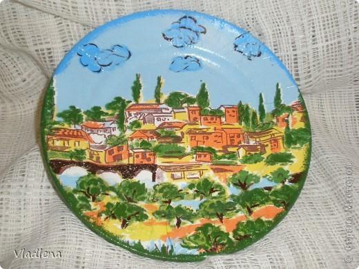 Декоративная тарелка на подставке, прямой декупаж, скорлупки, контуры. фото 5