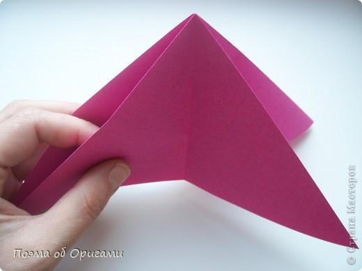 В переводе «water bomb» означает «водяная бомбочка», поскольку именно из этой базой формы складывают одноименную и самую известную модель оригами.  МК по Базовой форме «Двойной треугольник» опубликованный ранее. http://stranamasterov.ru/technics/water_bomb.html фото 13