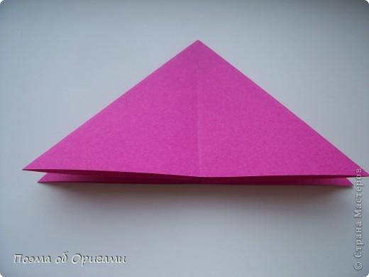 В переводе «water bomb» означает «водяная бомбочка», поскольку именно из этой базой формы складывают одноименную и самую известную модель оригами.  МК по Базовой форме «Двойной треугольник» опубликованный ранее. http://stranamasterov.ru/technics/water_bomb.html фото 1