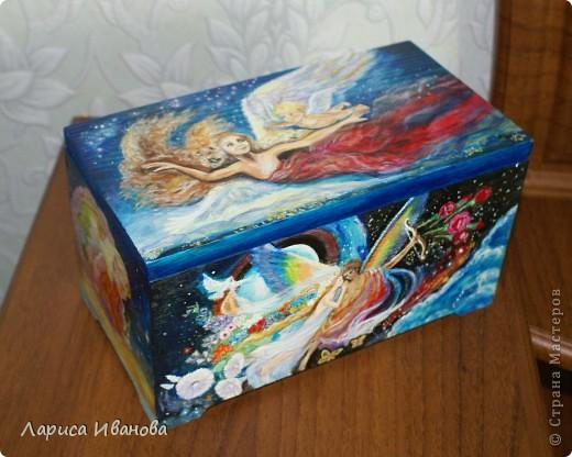 Первый подарок пришел из далекой Чувашии от Елены Груздевой. Ее нет в Стране Мастеров, но не показать я этих куколок не могла))) Это куколки-магнитики, сшиты очень аккуратно и с большой любовью одной чувашской мастерицей))) фото 5