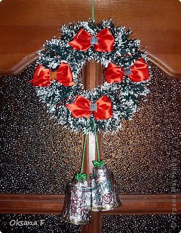 И еще новогодний венок... уже для дома)