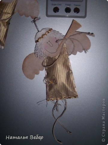 Вот такие Ангелочки родились сегодня у меня и поселились на холодильнике,возвестив о рождестве!!!!!)))...спасибо Голубке за этих красавчиков...я лишь немного их изменила)))) фото 3
