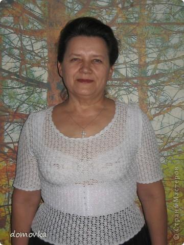 Нарядная блуза для мамы, связанная крючком