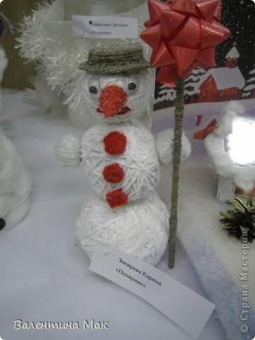 Вот такую небольшую выставку снеговиков устроили мы с ребятами у нас в клубе по месту жительства. фото 7