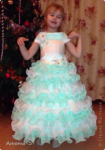 Вот такое платье сшила для дочки. За основу взяла МК Маховой, очень пригодилось, СПАСИБО! Вообще, платье такого масштаба шила в первый раз, поэтому не судите строго.