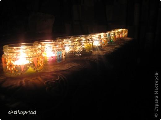 Эти подсвечники я сделала для своих коллег. Баночки расписала витражными красками и контурами. фото 1