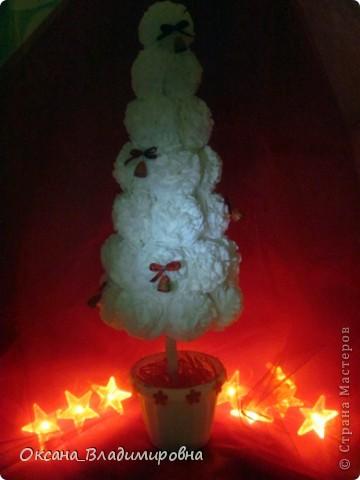 Наташенька, большое вам спасибо за чудесную елочку в белом, очаровалась поделкой и сегодня сотворила ей подружку Зефиренку )))  http://stranamasterov.ru/node/123170 Колокольчики квиллинг.    фото 3