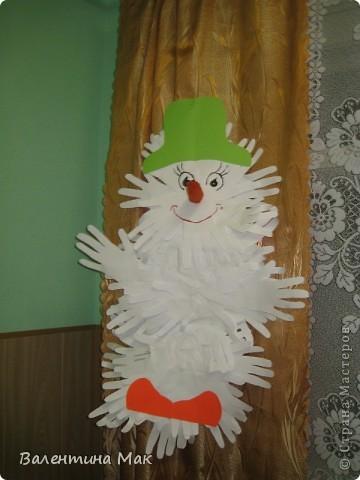 Вот такую небольшую выставку снеговиков устроили мы с ребятами у нас в клубе по месту жительства. фото 20