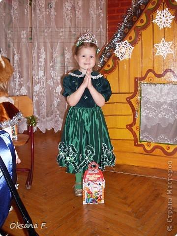 """Моя Ариша на новогоднем утреннике. Вот так выглядет платье на самой """"модели"""":) фото 1"""
