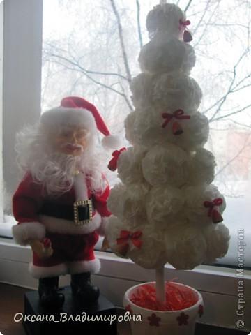 Наташенька, большое вам спасибо за чудесную елочку в белом, очаровалась поделкой и сегодня сотворила ей подружку Зефиренку )))  http://stranamasterov.ru/node/123170 Колокольчики квиллинг.    фото 4