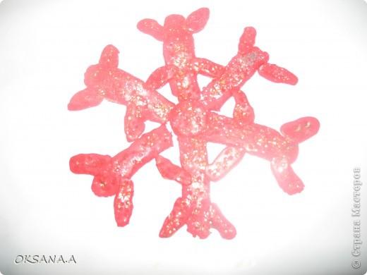 Вот такие снежинки мы со старшей дочкой сделали на конкурс снежинок в детский сад. Идеи взяты с сайта Страна Мастеров. Огромное спасибо всем мастерицам за подсказки и мастер-классы. 1.Из бумаги. фото 11