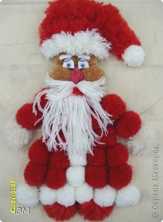 Дед Мороз из помпонов  фото 1