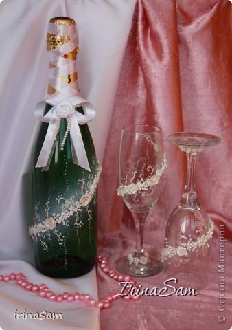 Вот еще один Свадебный наборчик, который, к моему счастью, я смогла реализовать. Бокалы у меня уже были, к ним соответствующе оформила бутылку и свечи. фото 2