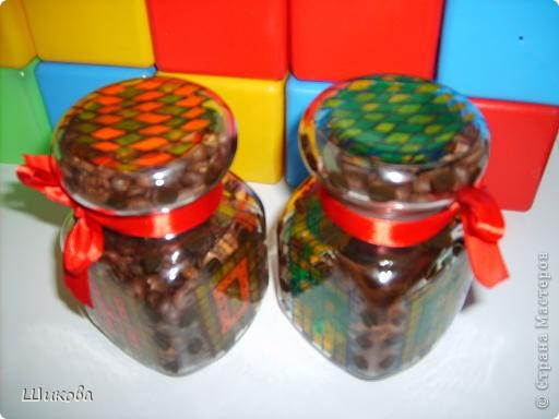 Баночки из-под растворимого кофе. Использую для хранения кофе молотого и в зернах. Краски для запекания. фото 2