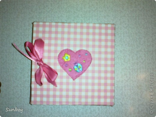 Подарок девушке)  Браслет из пластики,альбом с фото,ну и соответственно коробочка) фото 5