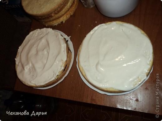 Здравствуйте это мой первый МК! Я расскажу как я делаю вкуссный тортик из бисквита, который так любит вся моя семья! И готовить его не трудно! фото 10