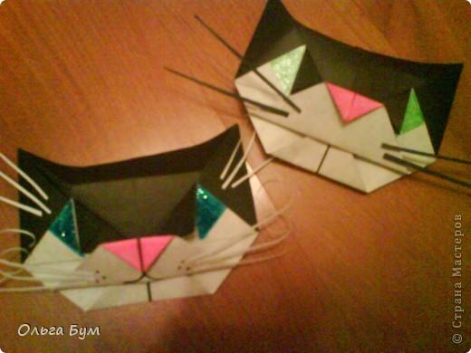 Киски-оригами. Они могут открывать рты, если нажать с двух сторон. Делаем из квадрата, полученного из листа формата А4 (стандартный лист) фото 1
