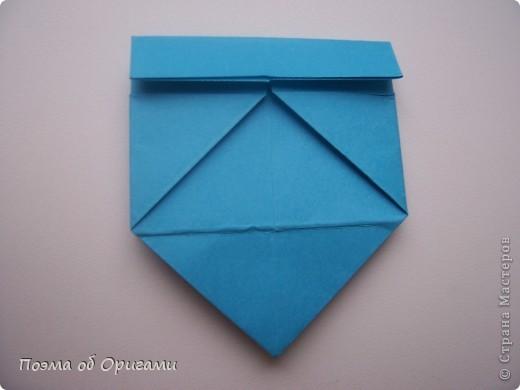 Вдохновением для этой работы послужили уже широко известные комодики, складывающиеся из спичечных коробков. Этот оригами-комод я придумала сама. Он складывается из стандартных А4 листов. Для данного примера было использовано таких 10шт.  Этот способ достаточно расширяет возможности и прежде всего - это размер готового изделия.  Для начала потребуется немного терпения и вдохновения))  А вот идеи по оформлению мини-комодов жителями Страны здесь: http://stranamasterov.ru/node/41405 http://stranamasterov.ru/node/66644 http://stranamasterov.ru/node/63054 http://stranamasterov.ru/node/6078 http://stranamasterov.ru/node/60443 http://stranamasterov.ru/node/48287 http://stranamasterov.ru/node/67696 http://stranamasterov.ru/node/40303 http://stranamasterov.ru/node/111164 http://stranamasterov.ru/node/139152 http://stranamasterov.ru/node/140311 фото 12