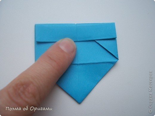 Вдохновением для этой работы послужили уже широко известные комодики, складывающиеся из спичечных коробков. Этот оригами-комод я придумала сама. Он складывается из стандартных А4 листов. Для данного примера было использовано таких 10шт.  Этот способ достаточно расширяет возможности и прежде всего - это размер готового изделия.  Для начала потребуется немного терпения и вдохновения))  А вот идеи по оформлению мини-комодов жителями Страны здесь: http://stranamasterov.ru/node/41405 http://stranamasterov.ru/node/66644 http://stranamasterov.ru/node/63054 http://stranamasterov.ru/node/6078 http://stranamasterov.ru/node/60443 http://stranamasterov.ru/node/48287 http://stranamasterov.ru/node/67696 http://stranamasterov.ru/node/40303 http://stranamasterov.ru/node/111164 http://stranamasterov.ru/node/139152 http://stranamasterov.ru/node/140311 фото 13