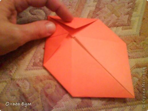 Рыбка золотая. Оригами. Делаем из квадрата полученного из листа формата А4 (квадрат получается 20х20 см) фото 7