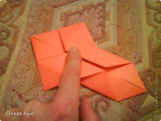 Рыбка золотая. Оригами. Делаем из квадрата полученного из листа формата А4 (квадрат получается 20х20 см) фото 9