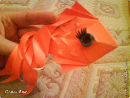 Рыбка золотая. Оригами. Делаем из квадрата полученного из листа формата А4 (квадрат получается 20х20 см) фото 1