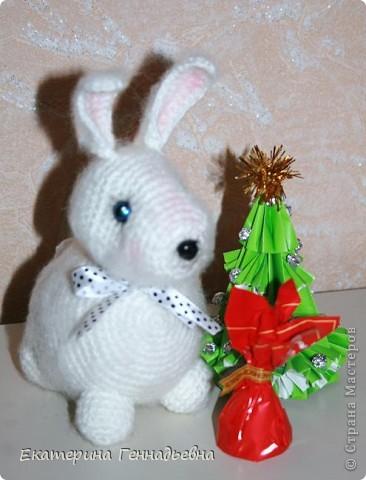 Новогодние кролики вместо морковки едят конфеты