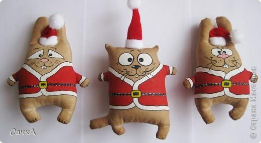 Вот такие зайцы и коты пошились на подарки. Идею взяла здесь    http://konopyshka.blogspot.com/ Мастер-класс здесь   http://forum.krasmama.ru/viewtopic.php?t=52983&postdays=0&postorder=asc&start=225 фото 1