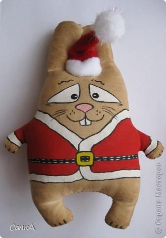Вот такие зайцы и коты пошились на подарки. Идею взяла здесь    http://konopyshka.blogspot.com/ Мастер-класс здесь   http://forum.krasmama.ru/viewtopic.php?t=52983&postdays=0&postorder=asc&start=225 фото 3