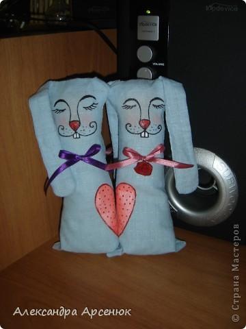 подарю одной влюбленной парочке)))) на уровне сердечка зайки держатся на магните... фото 1