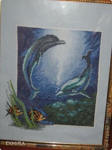 Из всех моих работ маме больше всего нравятся эти дельфины.