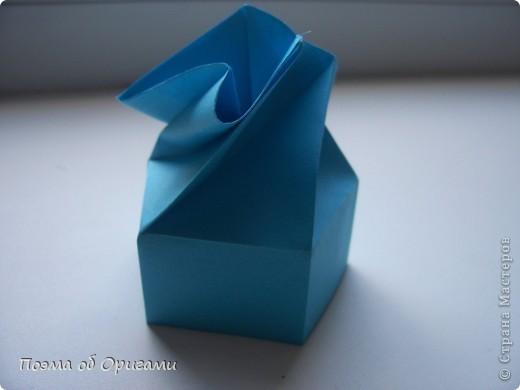 Этого паучка я придумала сама. Пятигранная коробочка поместит дорогие вашему сердцу вещи, а паучок будет беречь их как зеницу ока. фото 14