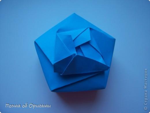 Этого паучка я придумала сама. Пятигранная коробочка поместит дорогие вашему сердцу вещи, а паучок будет беречь их как зеницу ока. фото 19