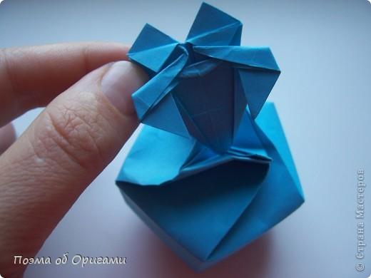 Этого паучка я придумала сама. Пятигранная коробочка поместит дорогие вашему сердцу вещи, а паучок будет беречь их как зеницу ока. фото 33