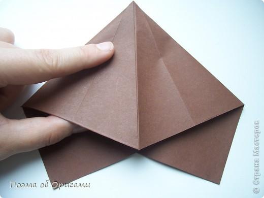 Эта башня составлена из одинаковых блоков и может быть логически продолжена до бесконечности: включать сколько угодно подобных секций и уровней. Поэтому эта модель отлично подходит для коллективной работы в коллективе. Модель этой симпатичной девушки носит имя НОА-чан и со времени со своего рождения даже успела стать символом Японской Ассоциации Оригами. фото 27