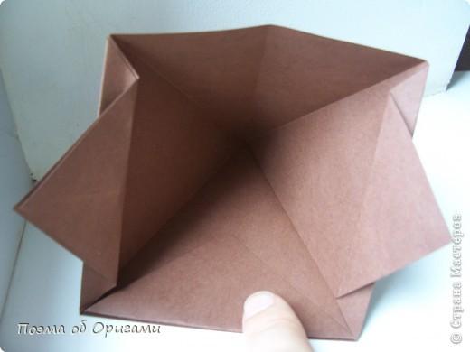 Эта башня составлена из одинаковых блоков и может быть логически продолжена до бесконечности: включать сколько угодно подобных секций и уровней. Поэтому эта модель отлично подходит для коллективной работы в коллективе. Модель этой симпатичной девушки носит имя НОА-чан и со времени со своего рождения даже успела стать символом Японской Ассоциации Оригами. фото 29