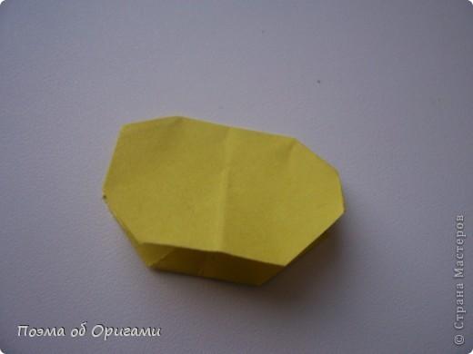 Эта башня составлена из одинаковых блоков и может быть логически продолжена до бесконечности: включать сколько угодно подобных секций и уровней. Поэтому эта модель отлично подходит для коллективной работы в коллективе. Модель этой симпатичной девушки носит имя НОА-чан и со времени со своего рождения даже успела стать символом Японской Ассоциации Оригами. фото 42
