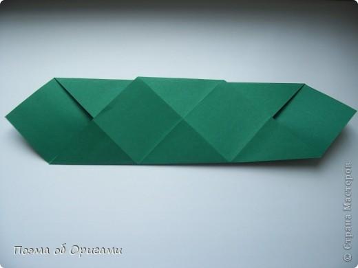 Эта башня составлена из одинаковых блоков и может быть логически продолжена до бесконечности: включать сколько угодно подобных секций и уровней. Поэтому эта модель отлично подходит для коллективной работы в коллективе. Модель этой симпатичной девушки носит имя НОА-чан и со времени со своего рождения даже успела стать символом Японской Ассоциации Оригами. фото 6