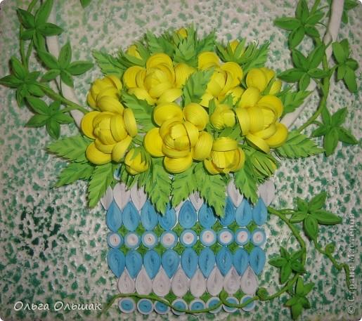 На этот раз появились на свет жёлтые розочки в сопровождении плюща. фото 3