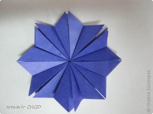 """Первая группа делала модули """"Шаттлл"""" и собрала на клей звезду из 8 модулей. фото 2"""